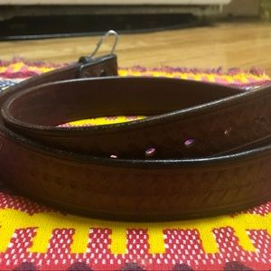 """Other - Vintage """"The Saddle Shop"""" Leather Belt!"""